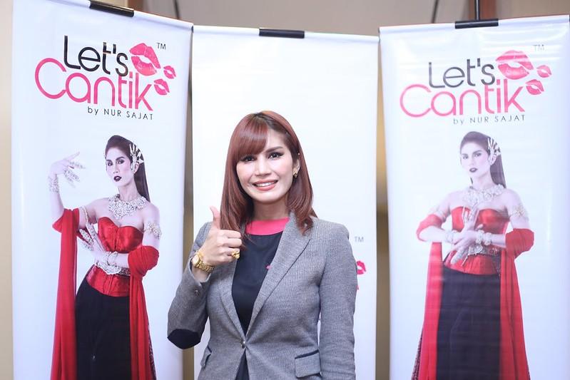 Pengasas Produk Let's Cantik by Nur Sajat