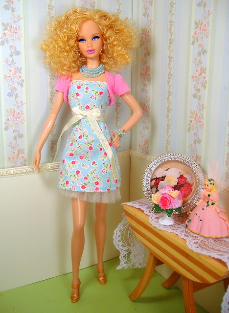 Barbie Basics #3 blonde Steffie in Blue floral #1