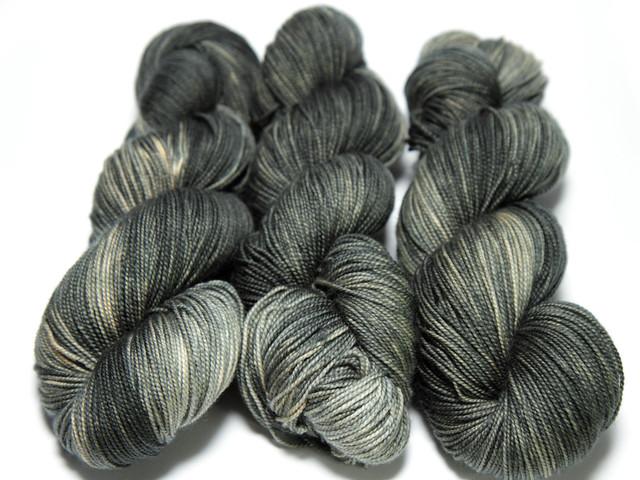 Favourite Sock – hand-dyed superwash merino 4 ply yarn 'Gritty'