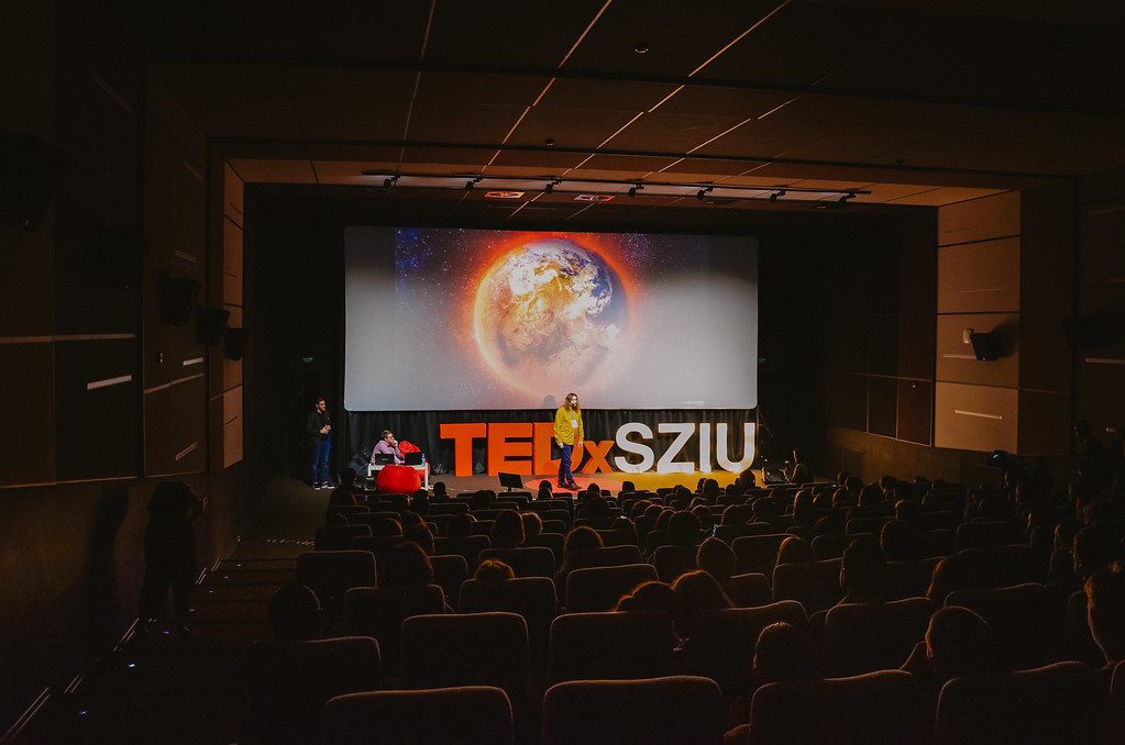 TEDxSZIU