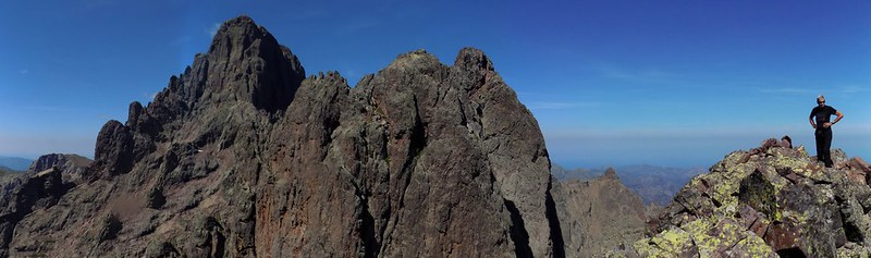 Sommet de la pointe Lejosne : la Grande Barrière vers le Nord avec Capu Tighjettu, Punta Minuta et Cintu