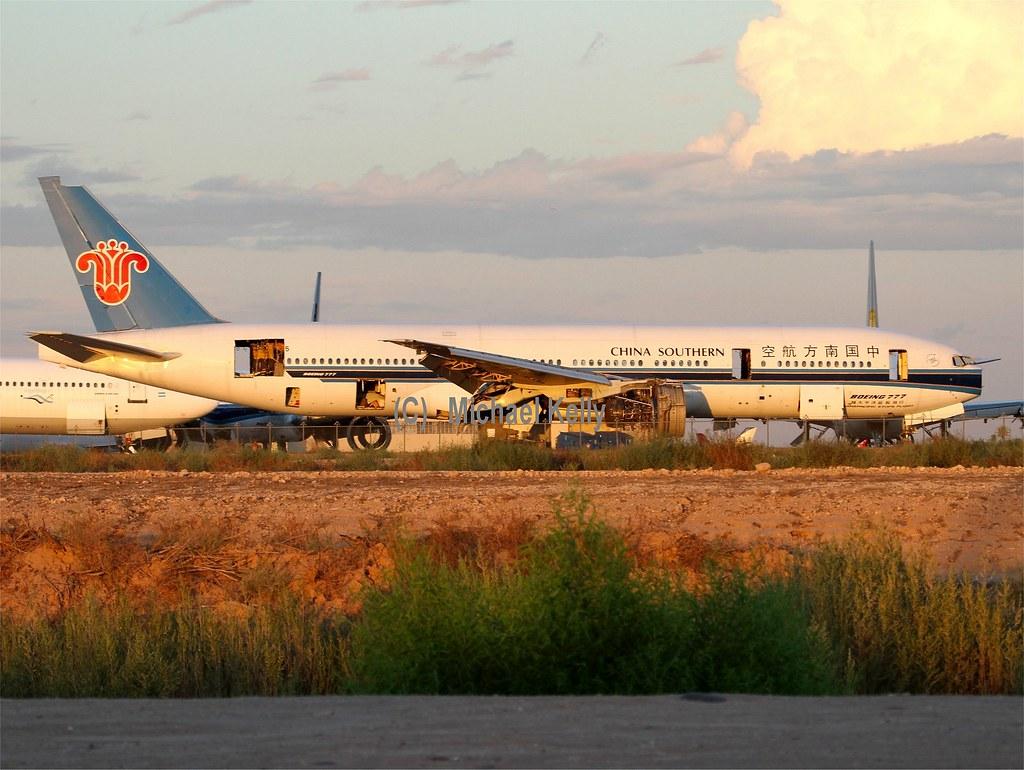 ... China Southern Boeing B777 ...
