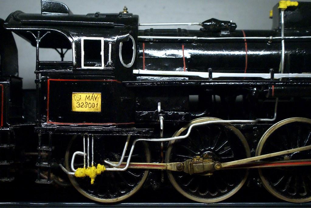 Modèle réduit d'une locomtive des années 1950 dans le Musée National Hongrois.