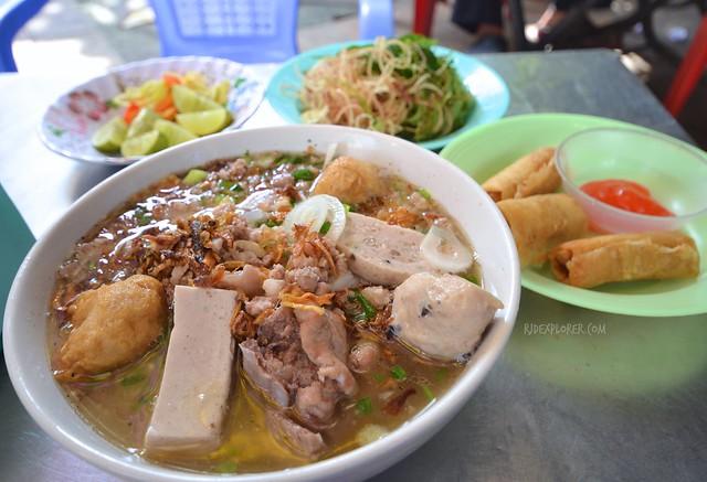 saigon food trip bun moc saigon lunch lady