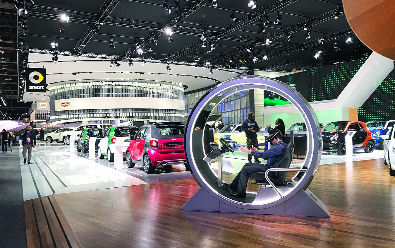 9 Tips For A Stress-Free Detroit Auto Show Experience // Thinking of visiting the Detroit Auto Show (North American International Auto Show/NAIAS) but aren't sure where to start? Check out these 9 tips that will help you plan an amazing visit! (via Wading in Big Shoes)