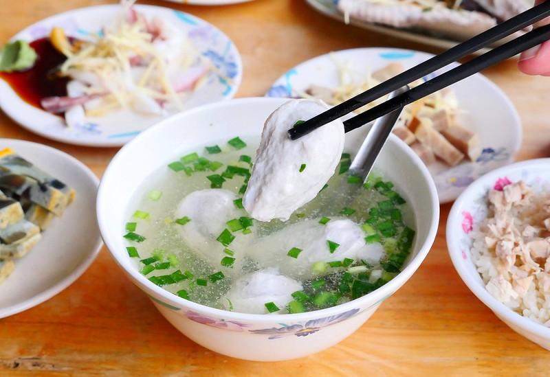 31942410620 c5694c98e3 c - 小林雞肉飯:天天午晚餐客滿排隊 招標虱目魚魚肚丸湯好吃必點!
