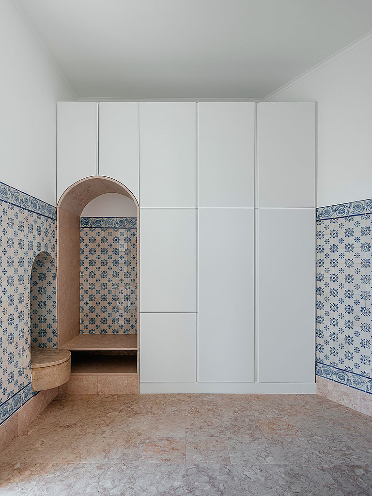 Classic apartment interior in the Lisbon Sundeno_24
