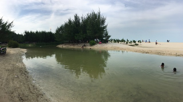 Pantai Remen, Tuban, Jawa Timur, Indonesia