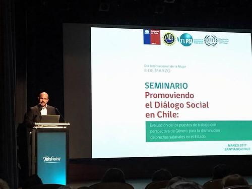 Seminario Promoviendo el Diálogo Social en Chile