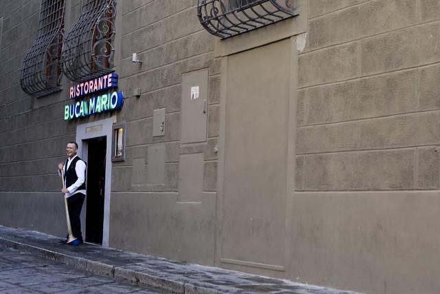 Waiter in front of a restaurant - Firenze