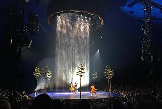 Cirque du Soleil - Luzia rain