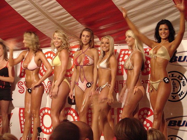 2006 hooter girls competition bikini pictures