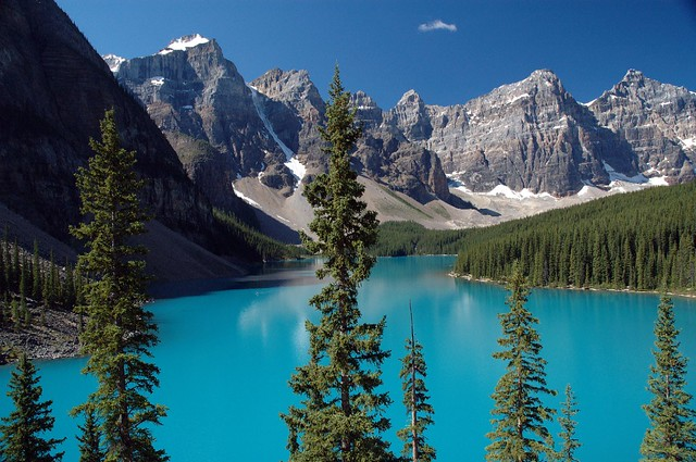 Moraine lake just recently returned from a trip to for Paesaggio di montagna da colorare