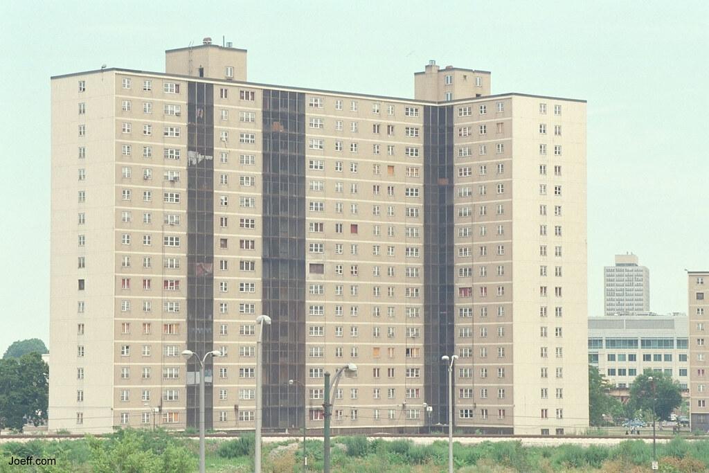 211914171 b25c07bfab b jpgRobert Taylor Homes