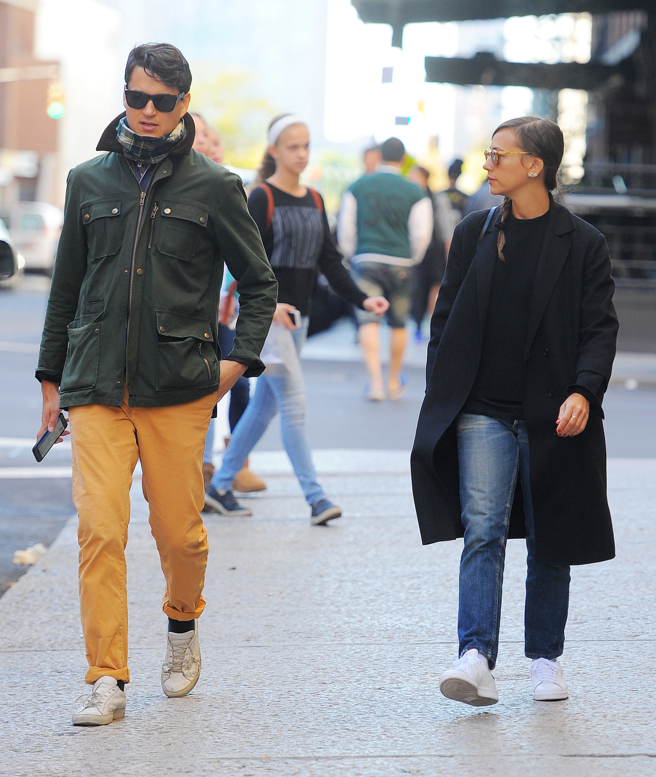 Rashida Jones - Out and about in NYC 10/10/2015 | Lipstick ...