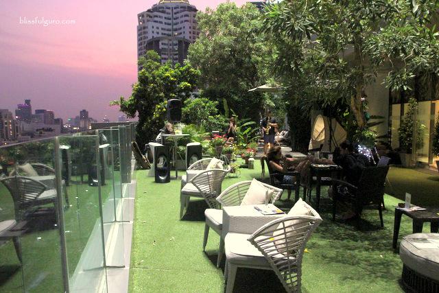 Novotel Bangkok Platinum Pratunam Thailand Pool Bar