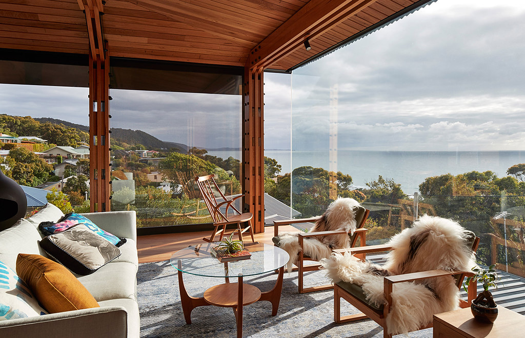 House on stilts design by Austin Maynard Architects in Australia Sundeno_05