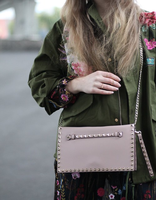 floral-patches-details-valentino-bag-wiebkembg