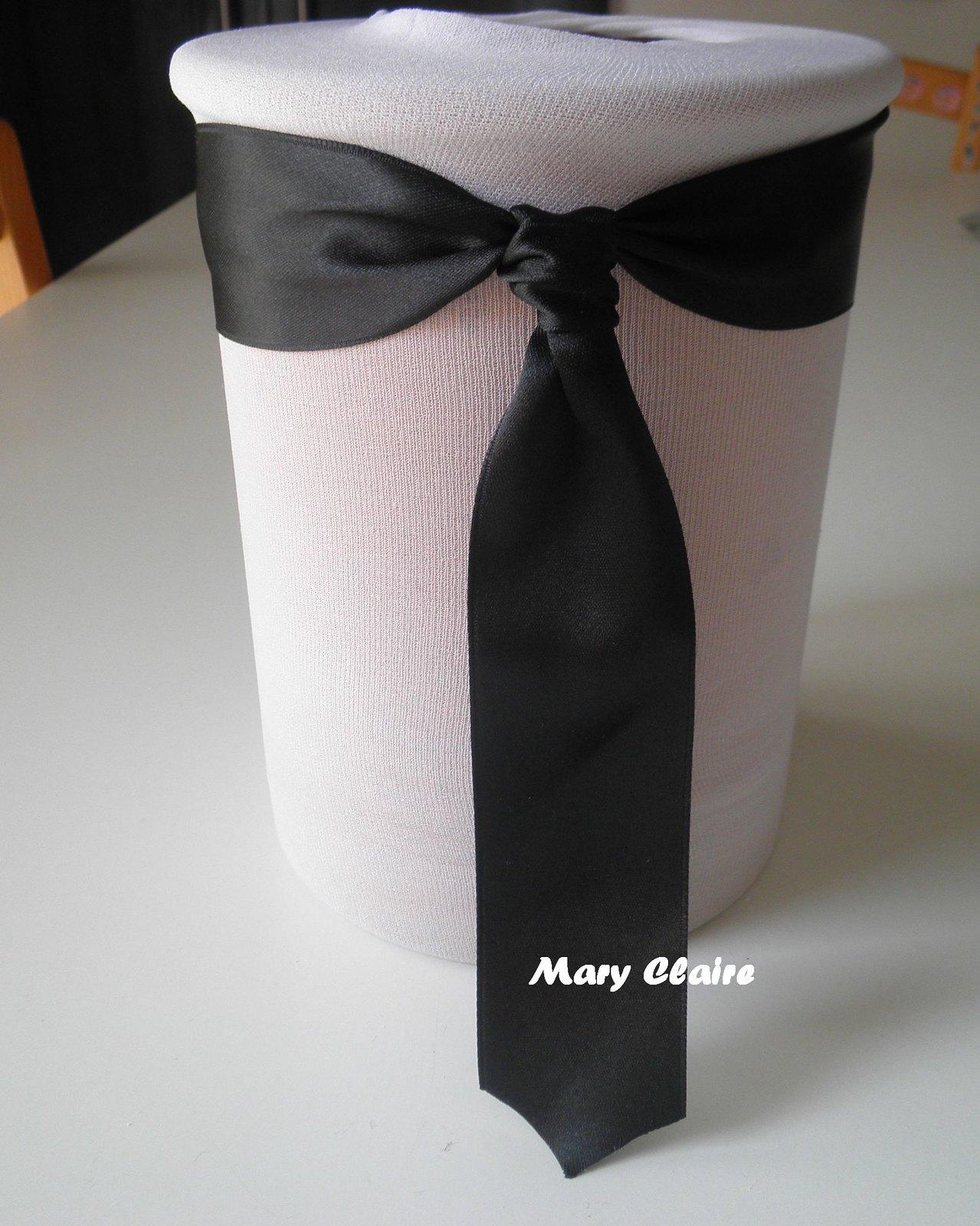 vaso con cravatta