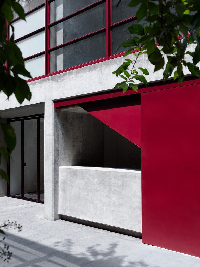 Villa renovation for Galería OMR by Mateo Riestra, José Arnaud-Bello and Max von Werz Sundeno_03