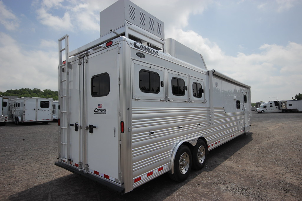 Horse Trailer With Living Quarters Video Walkthrough 201