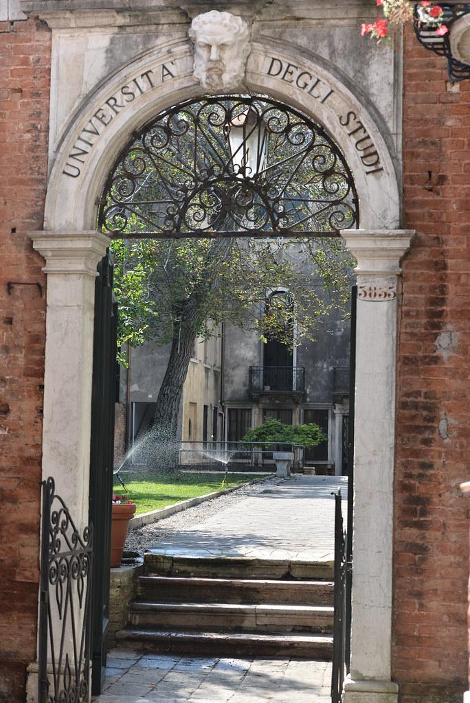 Beautiful ingresso al giardino by cafoscari ingresso al - Ingresso giardino ...