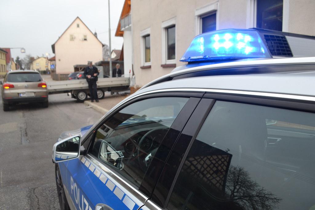 Schellbronn: VU mit Anhänger - 15.03.2017