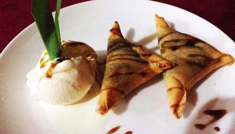 6-Chocolate-Samosa-Warung-Padang-Kecag