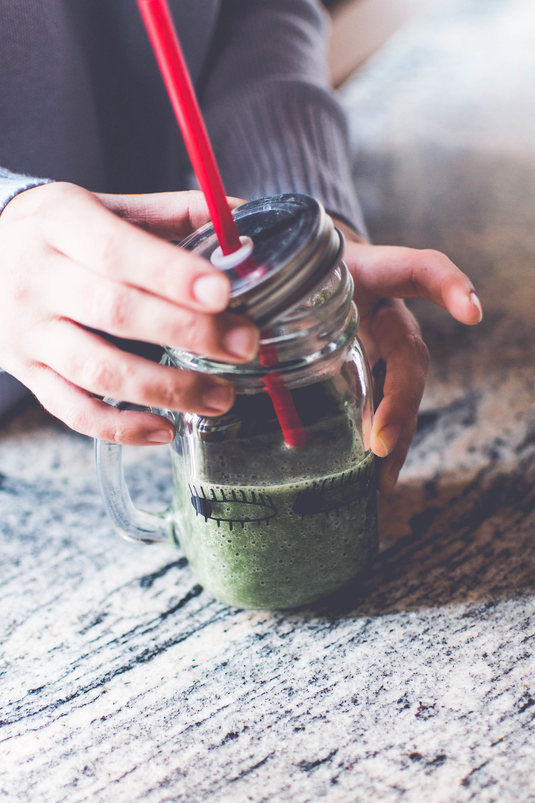How I make a green smoothie rich in vitamins, minerals and antioxidants for my January detox