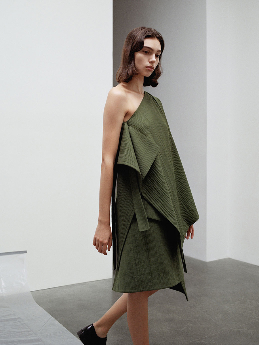 COS Spring/Summer 2017 line has the tone-on-tone inspiration you need | AMM blog