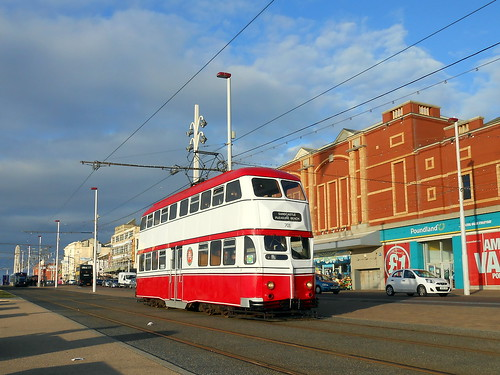 Blackpool Balloon Car, 701 | by miledorcha