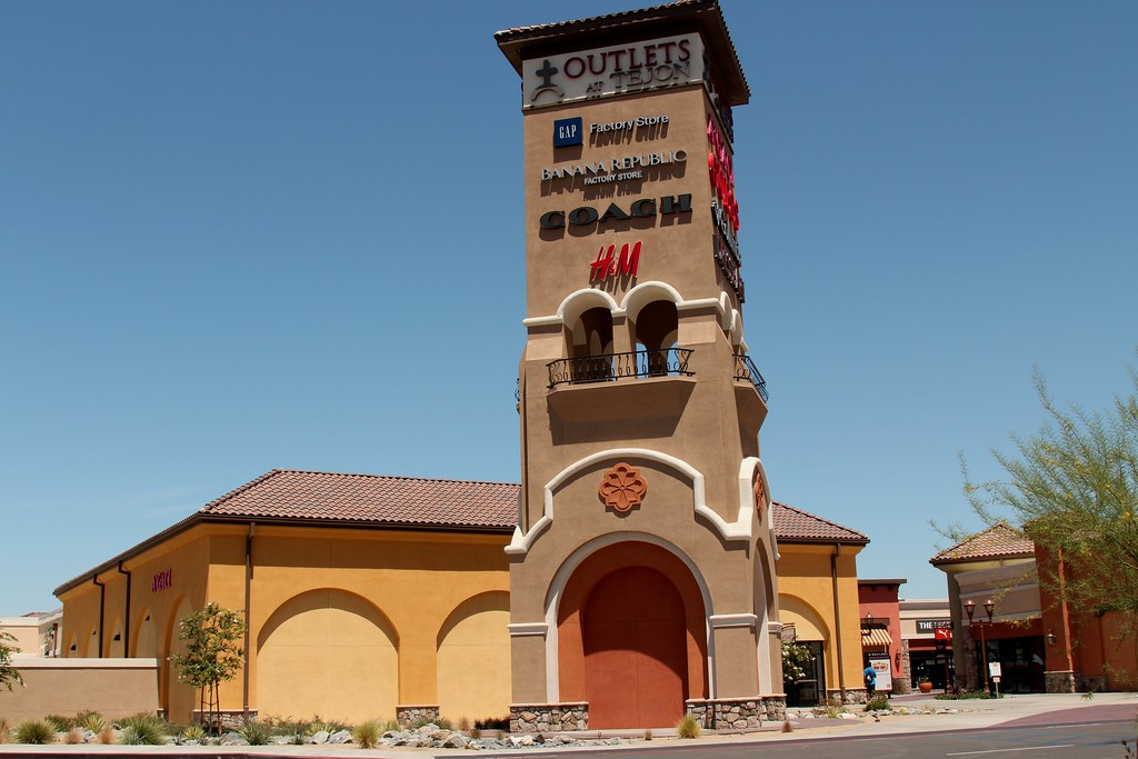 Tejon Outlets | Flickr - Photo Sharing!: https://flickr.com/photos/prayitnophotography/21223428200
