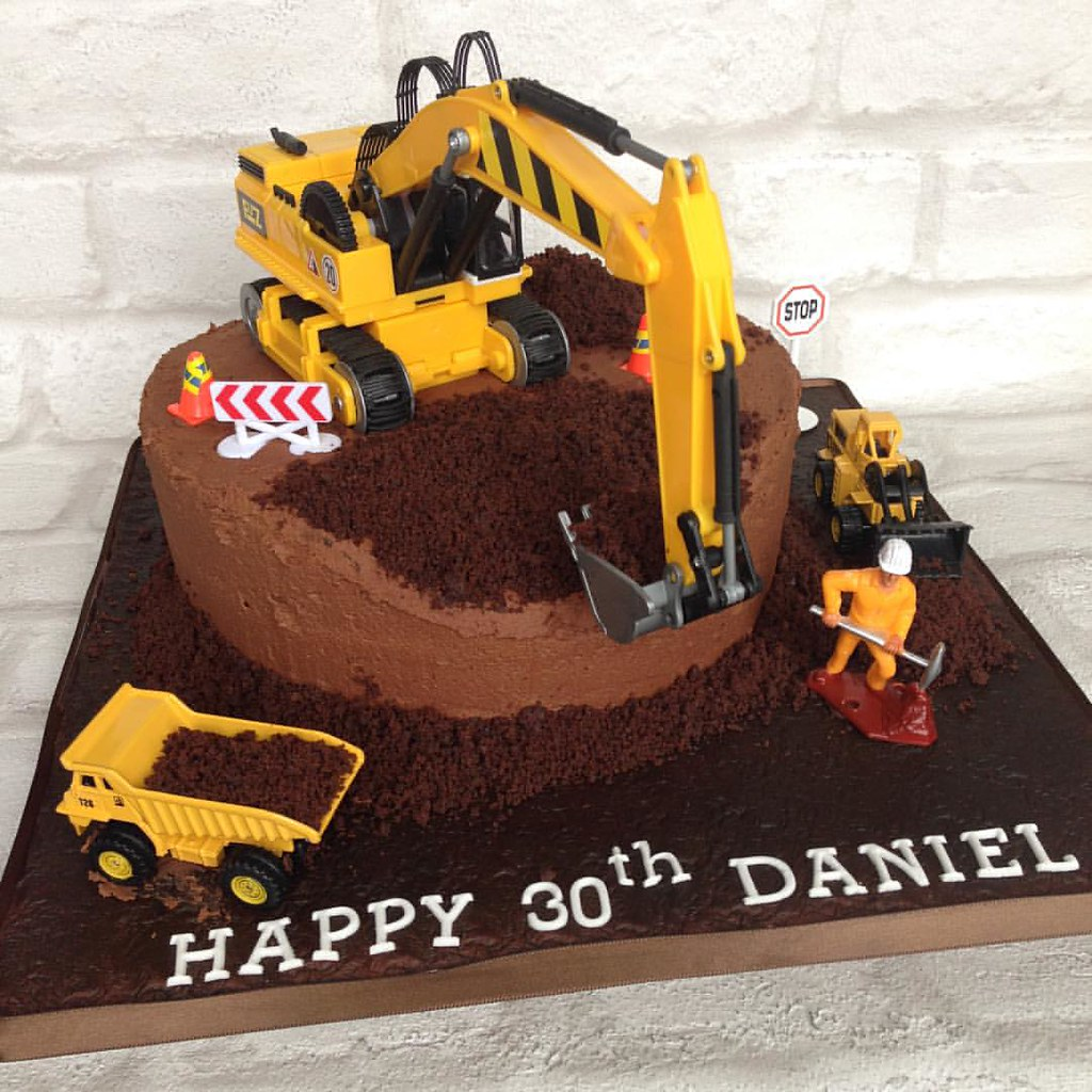Birthday Cake Ideas Digger : Digger site chocolate mud cake #jcb #digger #pickuptruck ...