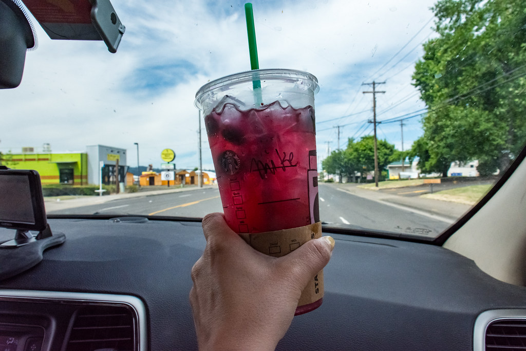 Starbucks Happy Hour 50 Off Refreshers And Ice Tea On Thursday