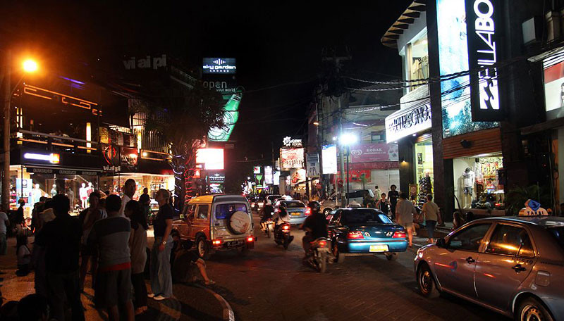 9-Legian-street-night