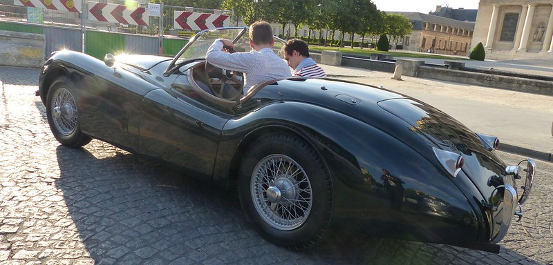 Jaguar XK - Paris Invalides Mai 2014 33073293766_16b82d27f8_c