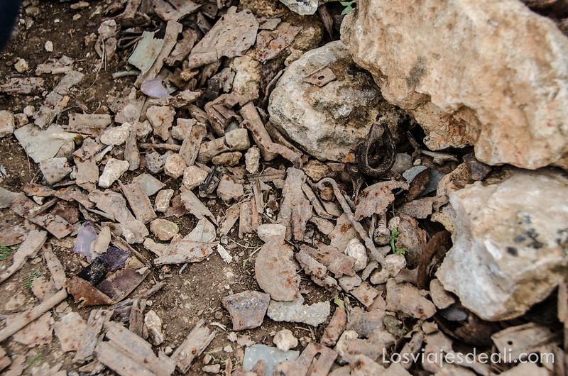 restos de metralla y balas de batalla del jarama