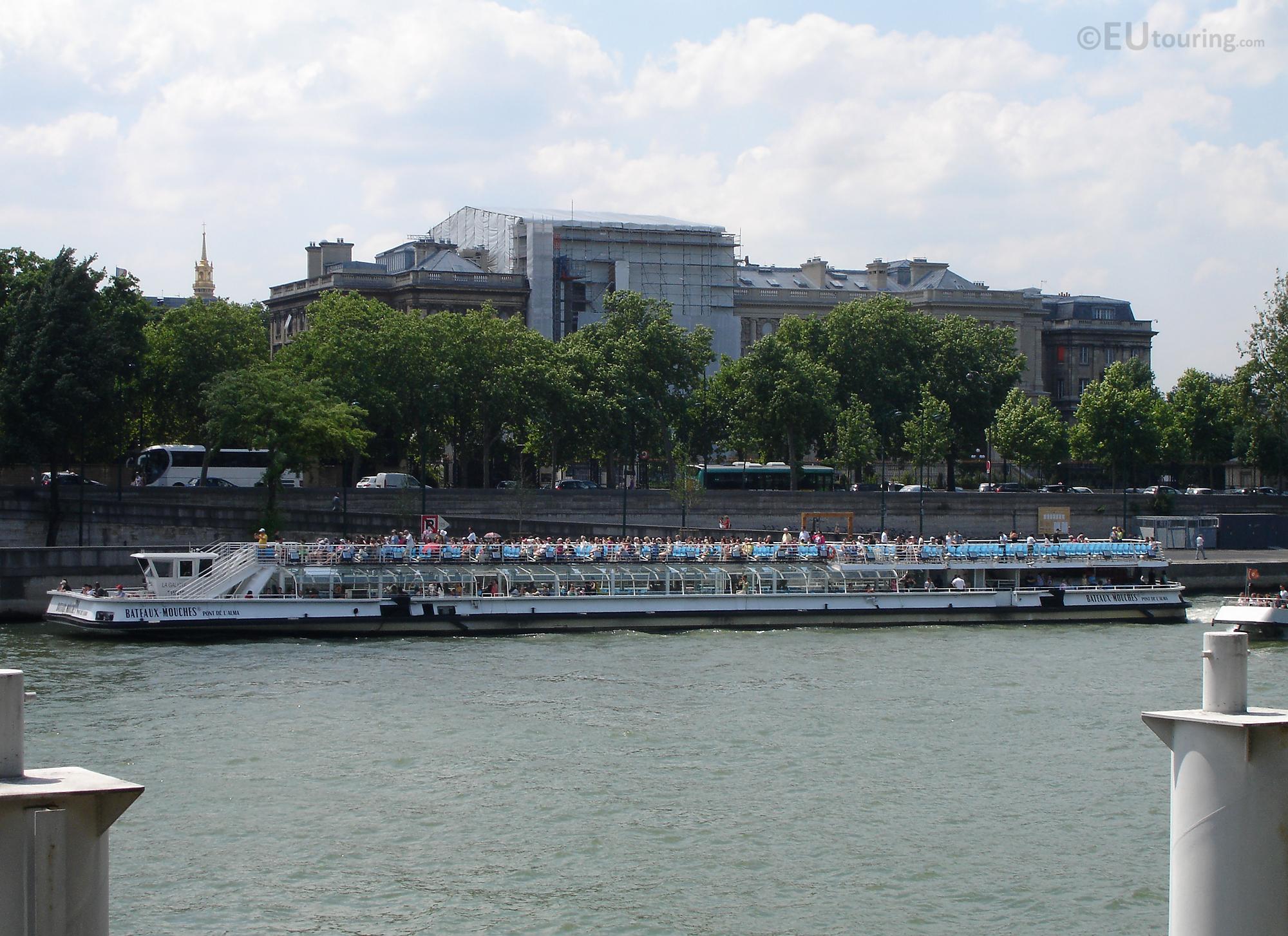 Bateaux Mouches tour boat