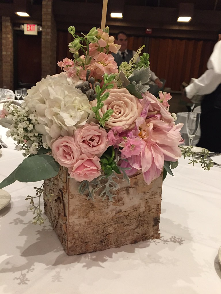 Flowers you can trust from Heritage House Florist, your local Downers Grove FTD florist Heritage House Florist, your FTD florist in Downers Grove, is proud to offer a wide arrangement of flowers for your gift giving needs including Spring flowers and Mother's Day gifts.