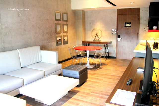 B Hotel Quezon City One Bedroom Suite