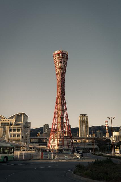 セピアカラーのポートタワー