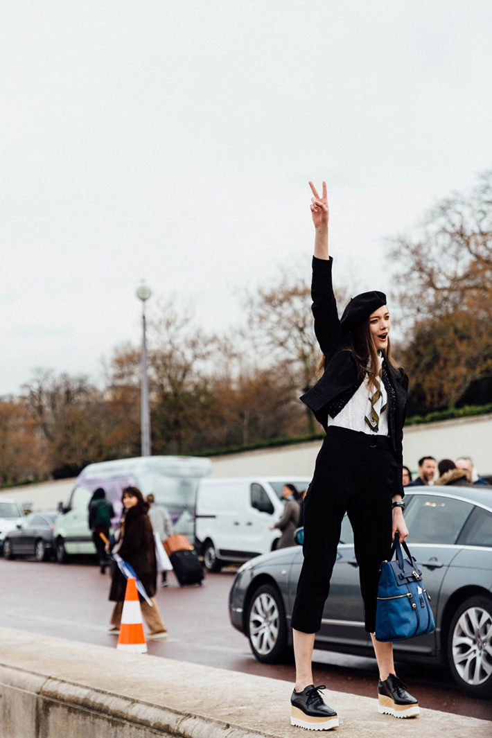 Paris fashion week street style outfit inspiration accessories fashion trend style9