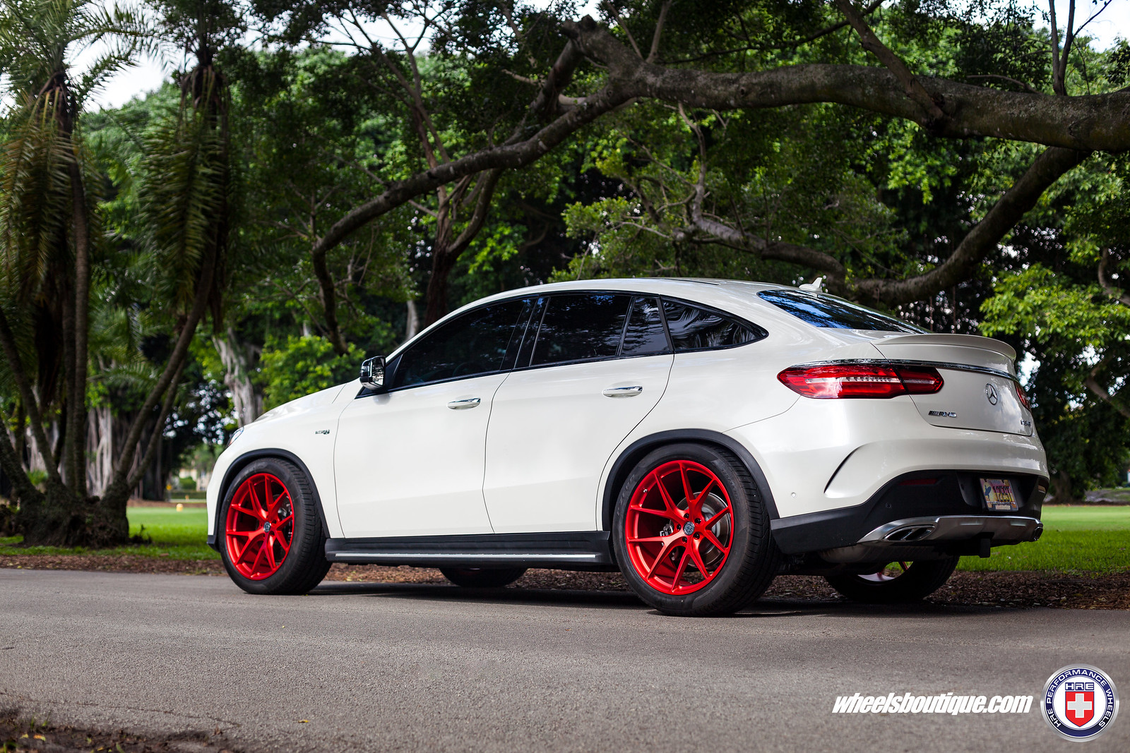 Valentine 39 s day twist mercedes gle43 amg on hre p101 39 s for R h mercedes benz