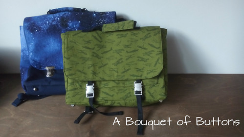 A Book Bag // Een Boekentas | by A Bouquet of Buttons