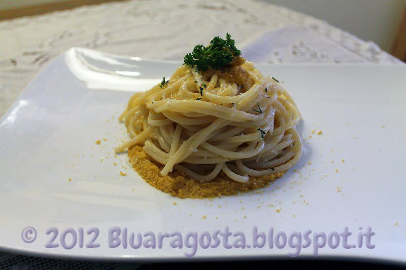06-spaghetti cacio, pepe, ricci di mare e bottarga