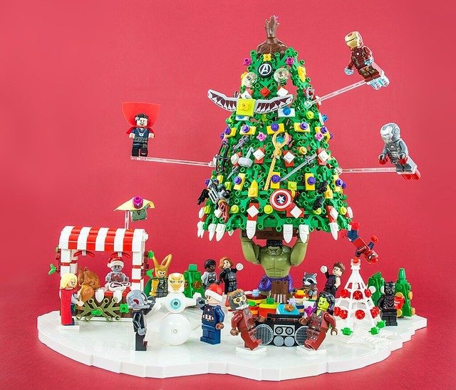 Marvel Christmas Tree.A Very Marvel Christmas To You Bricknerd Your Place For