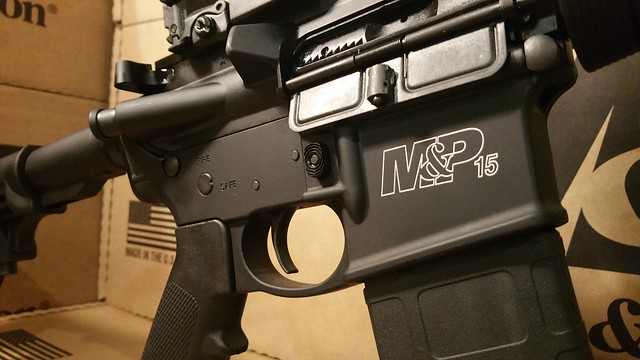 SW M&P15 red dot