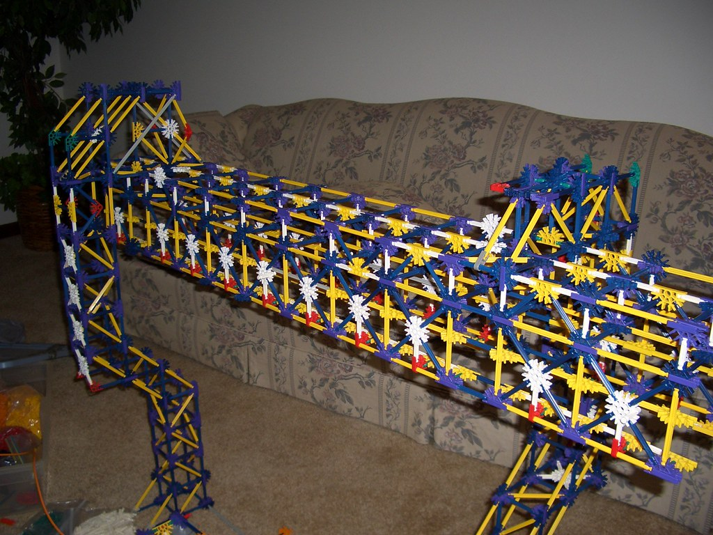 K'NEX Monorail   This is a SAFEGE type monorail hand built ...