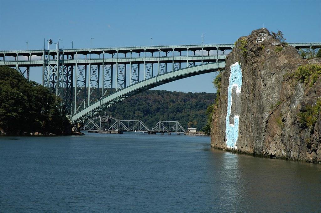 Henry Hudson Bridge, New York City | Bridgepixing from the ... Rowing Boat Team