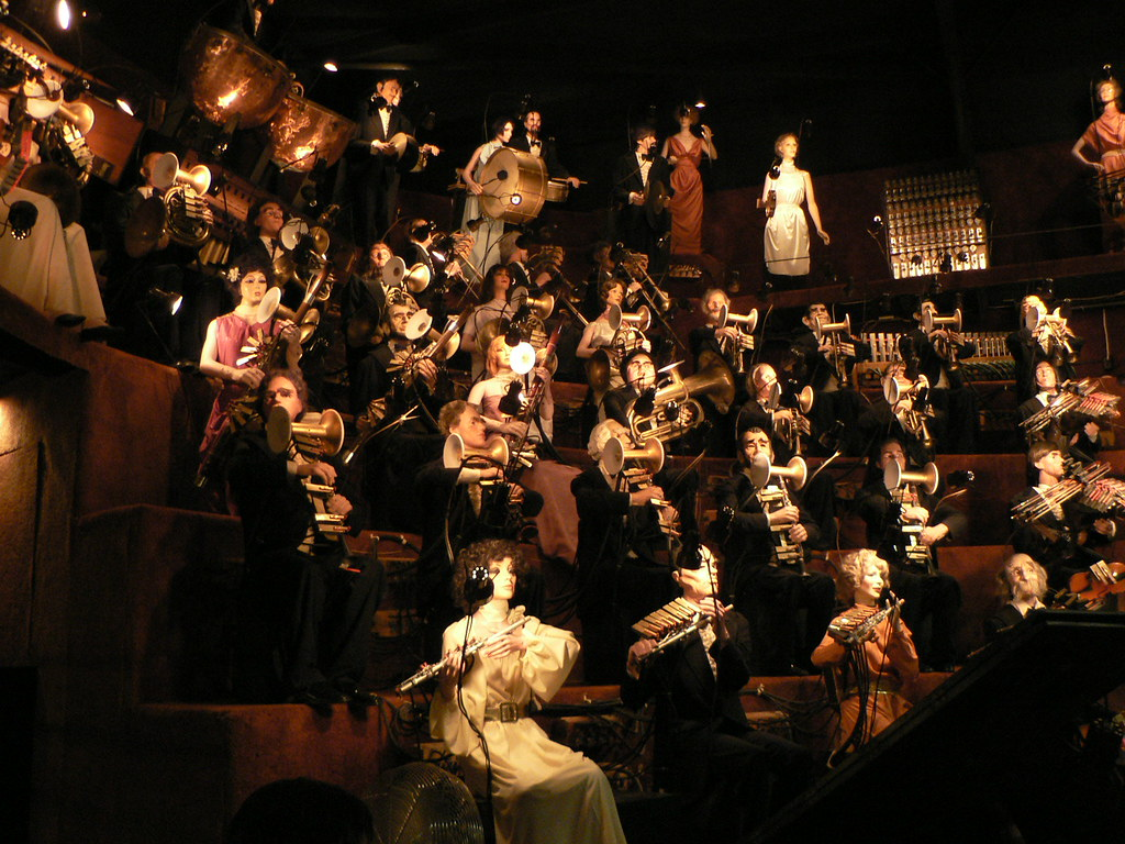 Orchestra mannequin orchestra house on the rock for Orchestra house